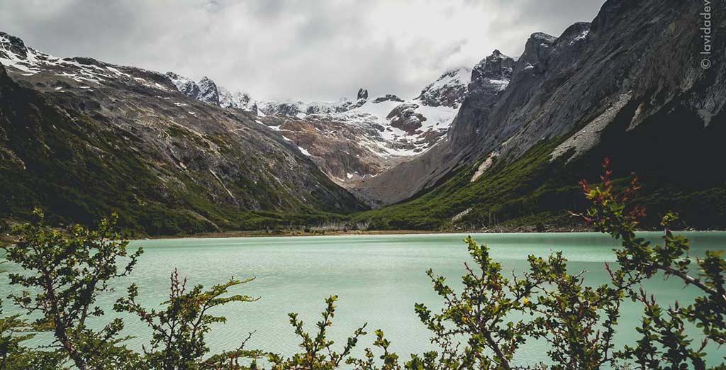 Villa La Angostura se encuentra en el extremo sur de la Provincia de Neuquén en la margen norte del Lago Nahuel Huapi.