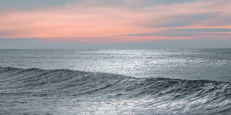 Valeria del Mar es una ciudad balnearia que se encuentra en el este de la provincia de Buenos Aires a 361 km de la ciudad de Buenos Aires.